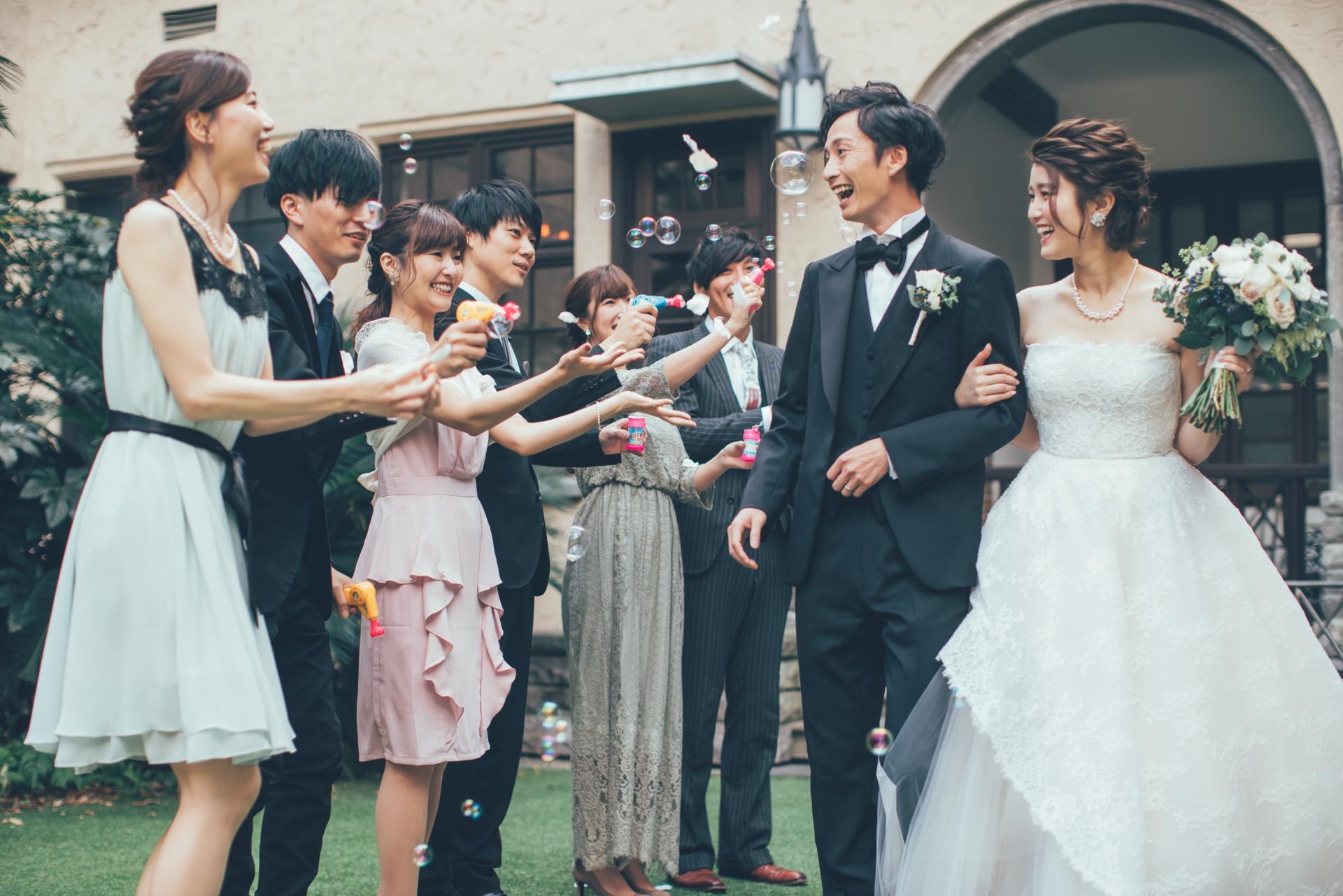 結婚式の付添人